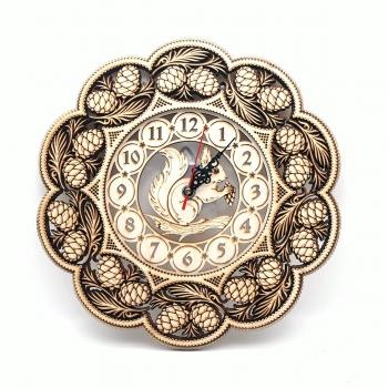 Часы Белка шишки